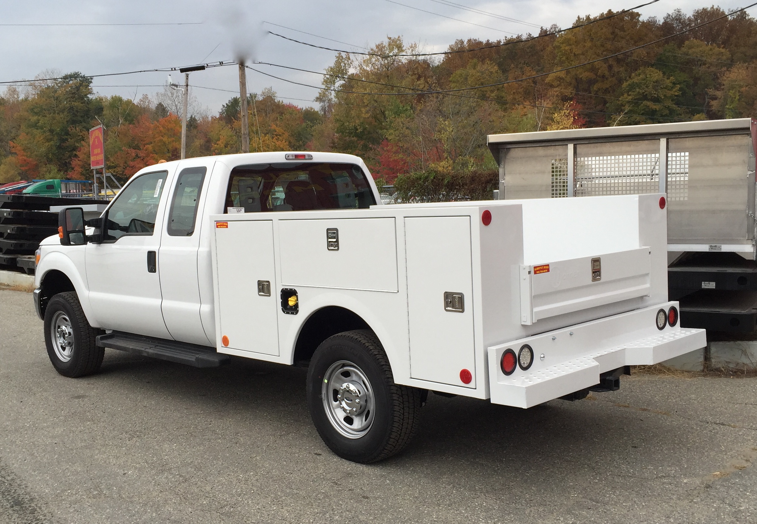 Service Bodies For Pickups : Service truck bodies distributor